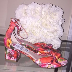 Betsy Johnson Flowered Sandals!